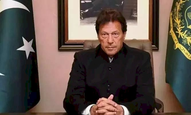 Prime Minister Imran Khan pay rich tribute to martyrs of Karbala
