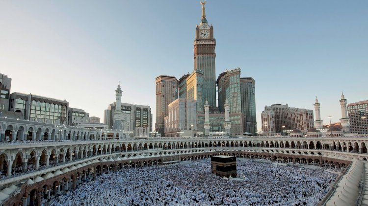 Saudi Arab  Restoring Umrah Services In Phases