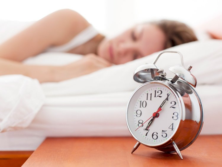 How To Lose Weight: Sleep More & Stress Less