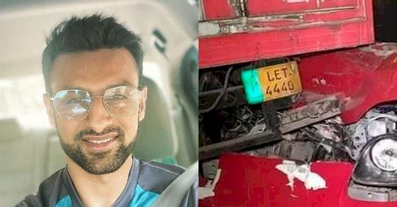 Shoaib Malik's Sports Car crashed into a Truck