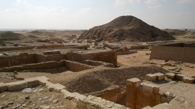 Egypt Discovers New Archaeological Site With 3000 Year Old Coffins