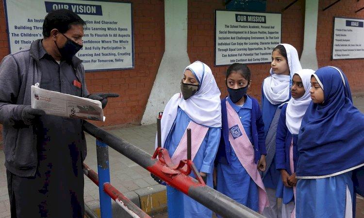 Pakistan announces one-month summer break for schools