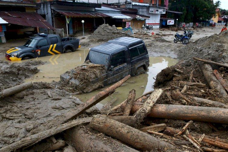 Indonesia Floods, Landslides Killed Around 75
