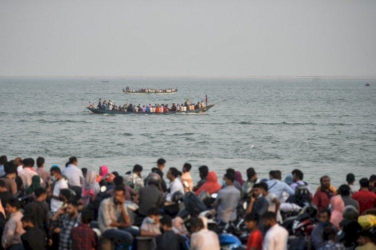Bangladesh Virus Shutdown Causes Migration From Dhaka