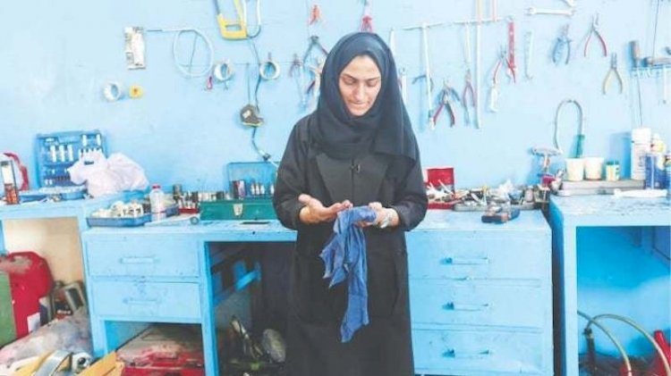 Female 'Huda al-Matroushi' Owns Car Repair Shop In UAE
