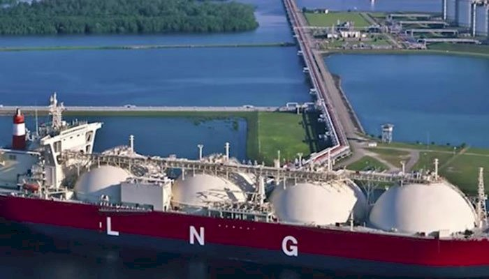 Pakistan Orders Four LNG Cargoes For Winters From Qatar