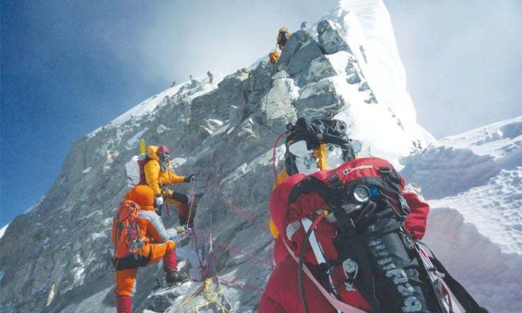 COVID-19 threatens Mount Everest climbing return plans