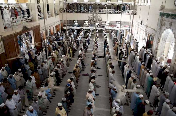 NCOC issued SOPs for Eid Prayer, Worshippers to bring own mat