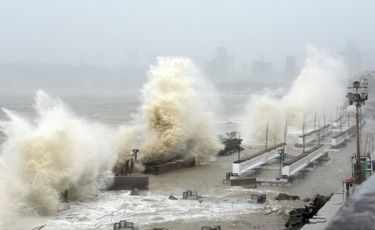 At Least 24 Dead, 100 Missing As Cyclone Tauktae Hits Covid-Affected India