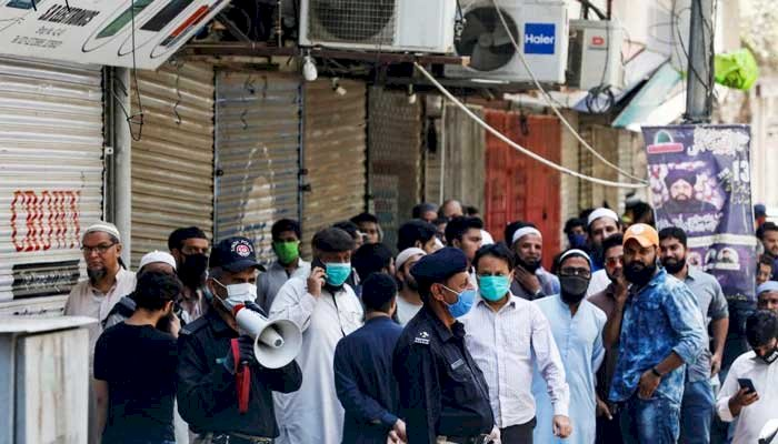 Sindh govt tightens the measures, warns of further restrictions owing to rising coronavirus positivity
