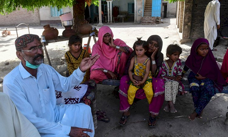 'Hero Family' Rushes To Help Ghotki Train Accident Victims