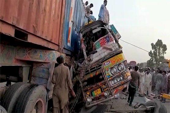 27 Killed, Dozens Injured In Bus, Trailer Accident In DG Khan