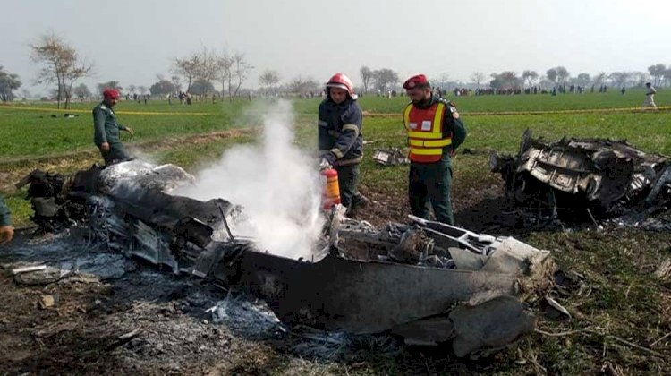 Pakistan Air Force(PAF)  Trainer Aircraft Crashes Near Attock.